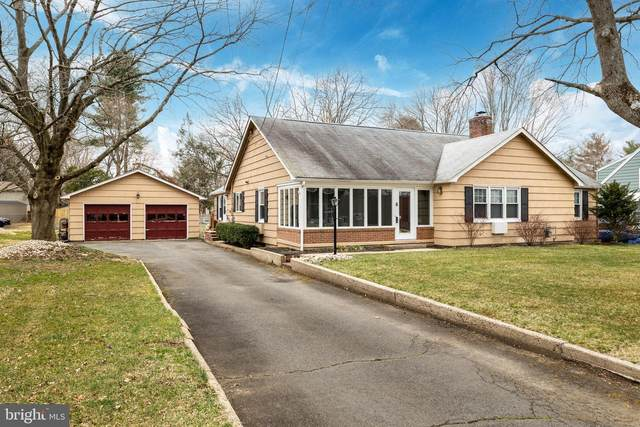5 Monmouth Drive, MONMOUTH JUNCTION, NJ 08852 (MLS #NJMX126180) :: The Sikora Group