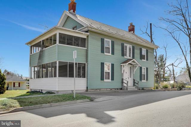 295 W Washington Street, STRASBURG, VA 22657 (#VASH121762) :: Debbie Dogrul Associates - Long and Foster Real Estate