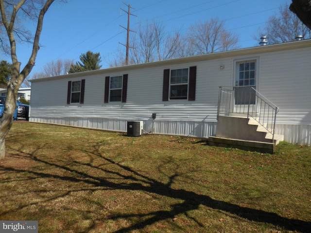 4 Old Village Lane, WEST GROVE, PA 19390 (#PACT531662) :: Linda Dale Real Estate Experts