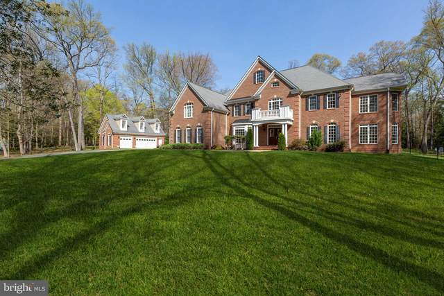 5816 Hallowing Drive, LORTON, VA 22079 (#VAFX1188666) :: Crews Real Estate