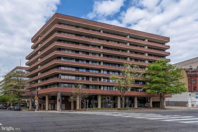 2555 Pennsylvania Avenue NW #211, WASHINGTON, DC 20037 (#DCDC513898) :: Gail Nyman Group