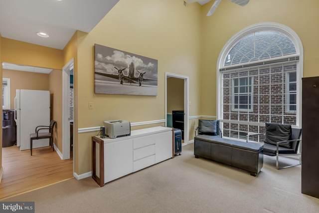 6105-E Arlington Boulevard #16, FALLS CHURCH, VA 22044 (#VAFX1189550) :: Jacobs & Co. Real Estate