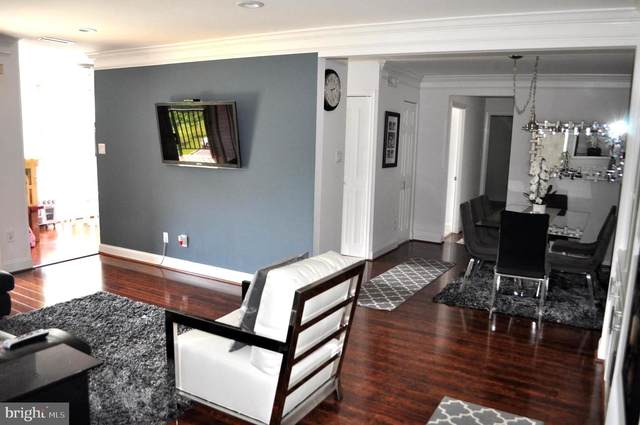 3334 Woodburn Village Drive #33, ANNANDALE, VA 22003 (#VAFX1189644) :: Colgan Real Estate