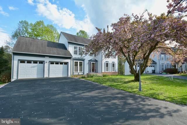 4193 Windflower Court, WOODBRIDGE, VA 22193 (#VAPW518502) :: Jennifer Mack Properties