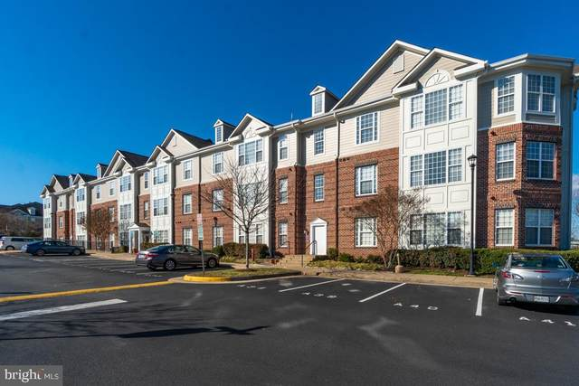 621 Cobblestone Boulevard #209, FREDERICKSBURG, VA 22401 (#VAFB118796) :: The Riffle Group of Keller Williams Select Realtors