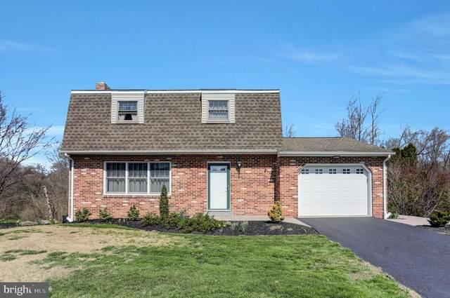 2205 Douglas Drive, CARLISLE, PA 17013 (#PACB133544) :: The Joy Daniels Real Estate Group