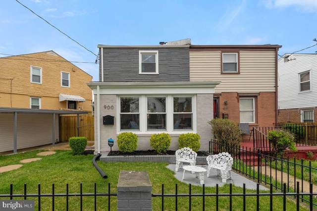 900 52ND Street NE, WASHINGTON, DC 20019 (#DCDC515354) :: Realty One Group Performance