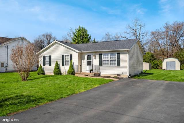 318 Wendover, BUNKER HILL, WV 25413 (#WVBE184908) :: Advance Realty Bel Air, Inc