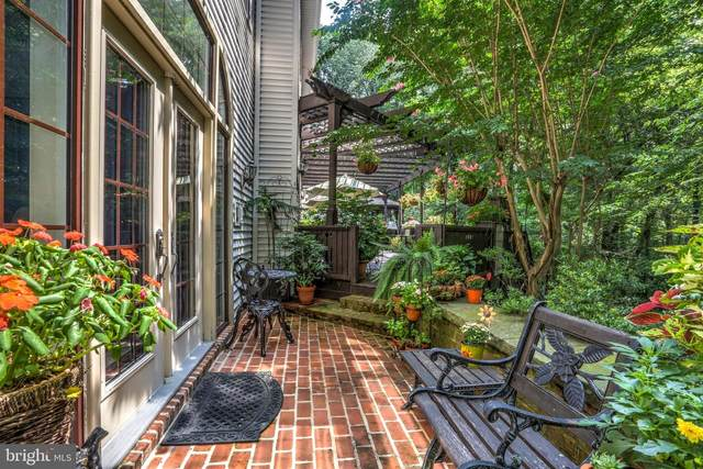 126 Winding Way, LANCASTER, PA 17602 (#PALA179960) :: Iron Valley Real Estate