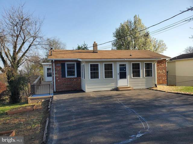 124 Steele Avenue, FRONT ROYAL, VA 22630 (#VAWR143246) :: Corner House Realty