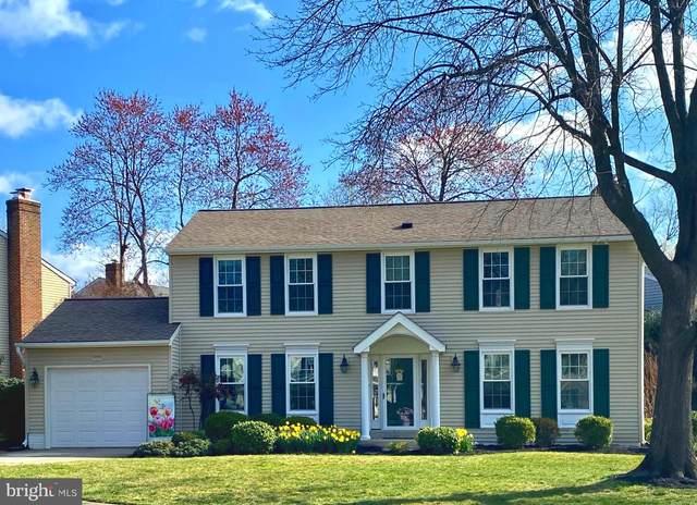 6826 Silver Ann Drive, LORTON, VA 22079 (#VAFX1193160) :: Debbie Dogrul Associates - Long and Foster Real Estate