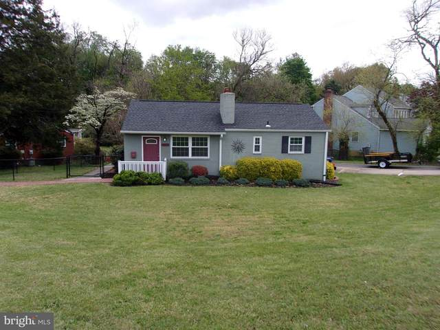 6052 Munson Hill Road, FALLS CHURCH, VA 22044 (#VAFX1193180) :: The Maryland Group of Long & Foster Real Estate