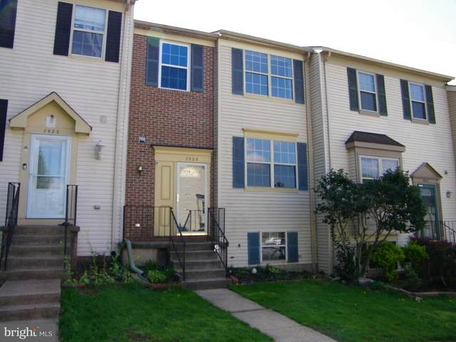 7525 Tendring Trail, MANASSAS, VA 20111 (#VAPW519682) :: Debbie Dogrul Associates - Long and Foster Real Estate