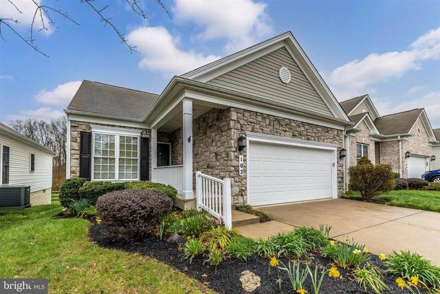 102 Clubside Drive, TANEYTOWN, MD 21787 (#MDCR203796) :: VSells & Associates of Compass