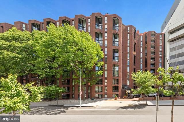 1099 22ND Street NW #403, WASHINGTON, DC 20037 (#DCDC517076) :: LoCoMusings