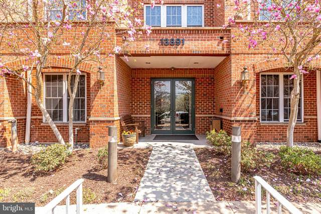 13891 Chelmsford Drive #209, GAINESVILLE, VA 20155 (#VAPW519860) :: Colgan Real Estate