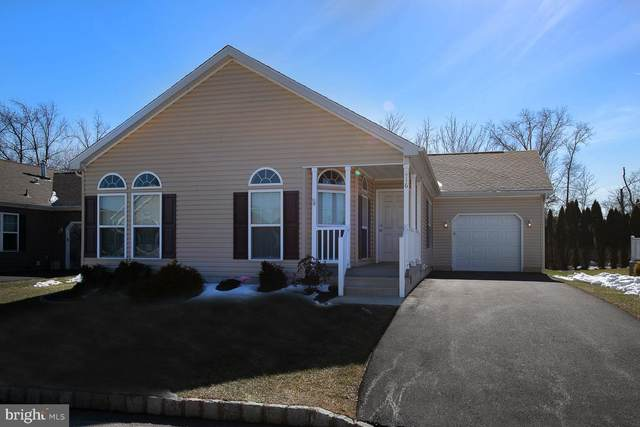 416 Azalea Drive, BLUE BELL, PA 19422 (#PAMC689514) :: Linda Dale Real Estate Experts