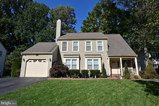 5706 Wigfield Way, BURKE, VA 22015 (#VAFX1194060) :: Debbie Dogrul Associates - Long and Foster Real Estate