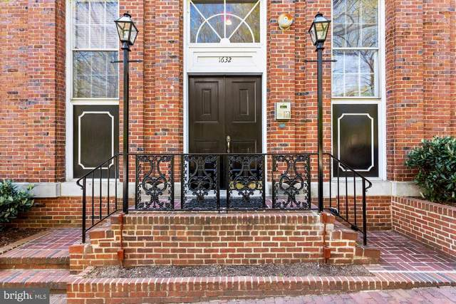 1632 30TH Street NW #8, WASHINGTON, DC 20007 (#DCDC517376) :: Bruce & Tanya and Associates