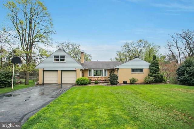809 Meadow Lane, CAMP HILL, PA 17011 (#PACB133942) :: The Heather Neidlinger Team With Berkshire Hathaway HomeServices Homesale Realty