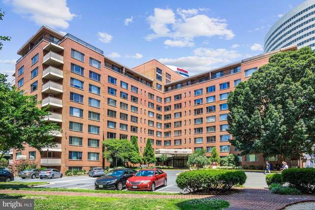 1121 Arlington Boulevard #805, ARLINGTON, VA 22209 (#VAAR179836) :: The Vashist Group