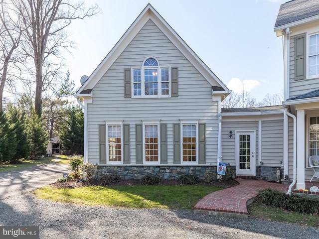 10903 Maple Street, FAIRFAX, VA 22030 (#VAFC121318) :: Debbie Dogrul Associates - Long and Foster Real Estate