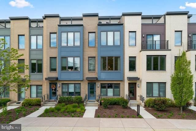 6561 Rock Spring Drive, BETHESDA, MD 20817 (#MDMC753938) :: The Riffle Group of Keller Williams Select Realtors