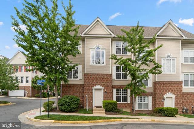 8050 Nicosh Circle Lane #42, FALLS CHURCH, VA 22042 (#VAFX1194690) :: Bruce & Tanya and Associates