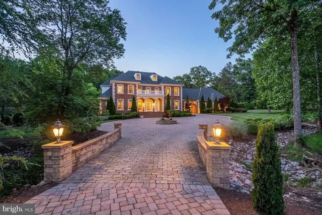 220 Middle Quarter Lane, HENRICO, VA 23238 (#VAHN100854) :: The Maryland Group of Long & Foster Real Estate
