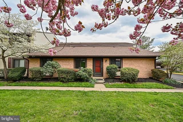 2541 Fox Ridge Court, WOODBRIDGE, VA 22192 (#VAPW520360) :: Dart Homes