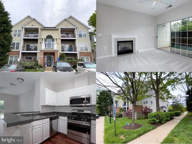 4144 Fountainside Lane #102, FAIRFAX, VA 22030 (#VAFX1195418) :: Dart Homes
