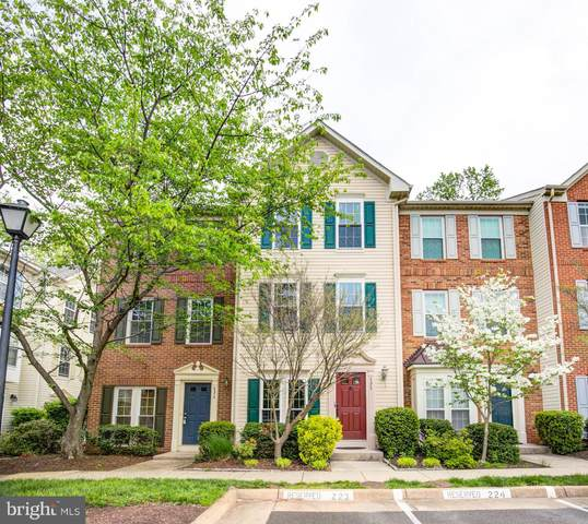 4372 Sutler Hill Square, FAIRFAX, VA 22033 (#VAFX1195438) :: The Dailey Group