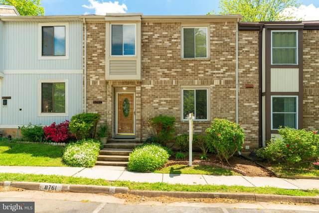 8761 Ridge Hollow Court, SPRINGFIELD, VA 22152 (#VAFX1196078) :: Dart Homes