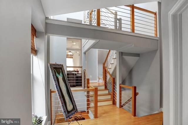2002 E Baltimore Street, BALTIMORE, MD 21231 (#MDBA548430) :: Sunrise Home Sales Team of Mackintosh Inc Realtors