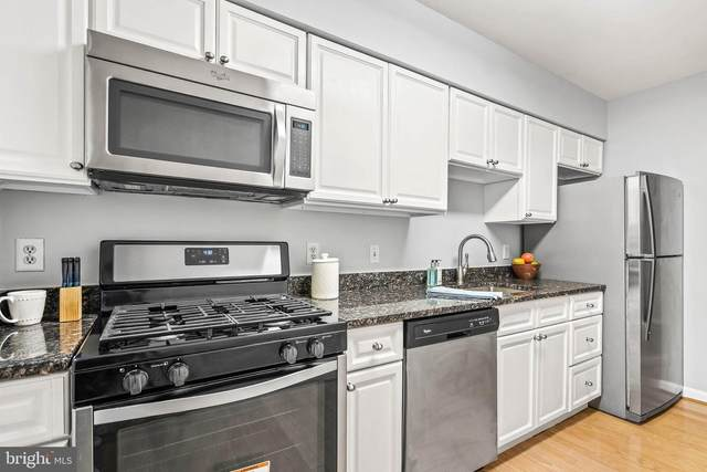 2702 Dartmouth Road #3, ALEXANDRIA, VA 22314 (#VAAX258950) :: The Riffle Group of Keller Williams Select Realtors