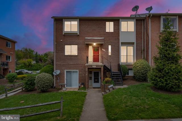 4512 Conwell Drive #210, ANNANDALE, VA 22003 (#VAFX1196820) :: Jacobs & Co. Real Estate