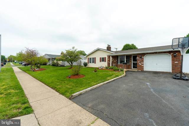 146 Lakeside Drive, LEVITTOWN, PA 19054 (#PABU526024) :: Ram Bala Associates | Keller Williams Realty