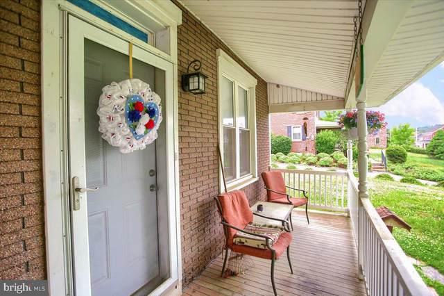 186 W Main Street, ADAMSTOWN, PA 19501 (#PALA181392) :: The Craig Hartranft Team, Berkshire Hathaway Homesale Realty