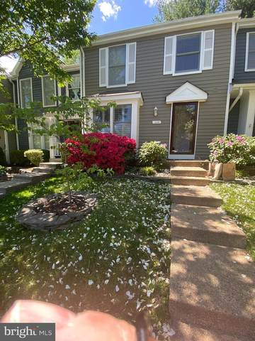 1636 Poplar Grove Drive, RESTON, VA 20194 (#VAFX1198060) :: The Riffle Group of Keller Williams Select Realtors