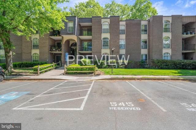 3314 Woodburn Village Drive #14, ANNANDALE, VA 22003 (#VAFX1198558) :: Major Key Realty LLC