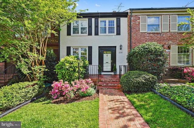 1733 Belle Haven Road, ALEXANDRIA, VA 22307 (#VAFX1198652) :: Pearson Smith Realty