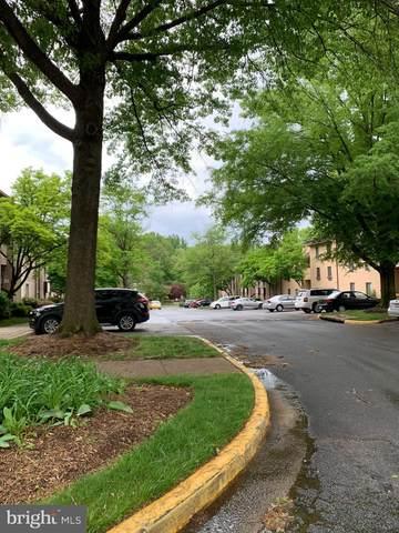 2236 Castle Rock Square 21C, RESTON, VA 20191 (#VAFX1199210) :: Bruce & Tanya and Associates