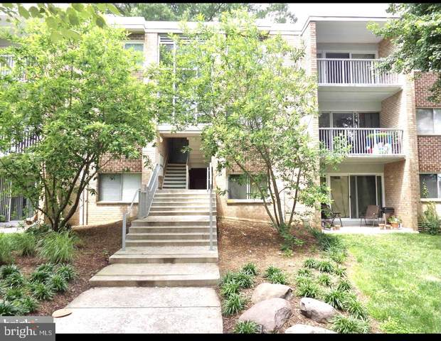 8004 Chanute Place #11, FALLS CHURCH, VA 22042 (#VAFX1199224) :: Arlington Realty, Inc.