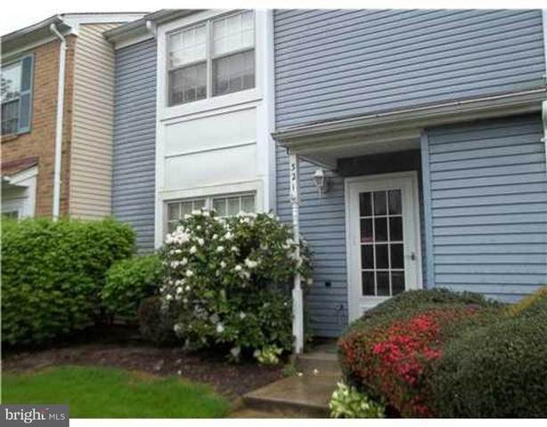 321 Constitution Circle, NORTH BRUNSWICK, NJ 08902 (#NJMX126616) :: ROSS | RESIDENTIAL