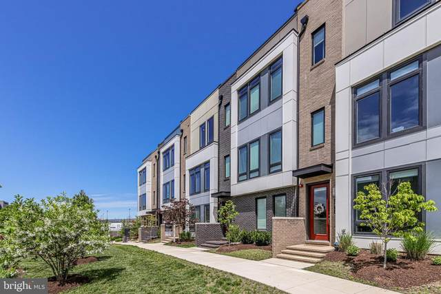 2821 Eisenhower Avenue, ALEXANDRIA, VA 22314 (#VAAX259430) :: Grace Perez Homes