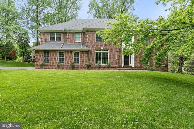 906 Helga Place, MCLEAN, VA 22102 (#VAFX1199334) :: The Riffle Group of Keller Williams Select Realtors