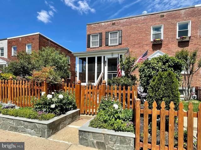526 E Glendale Avenue, ALEXANDRIA, VA 22301 (#VAAX259502) :: Grace Perez Homes