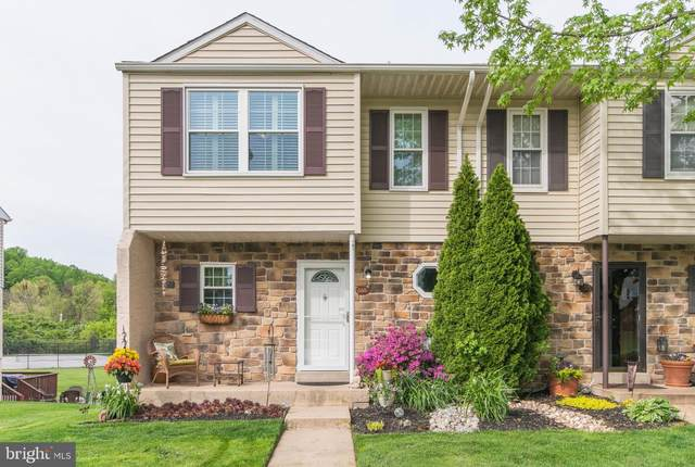 558 Lancaster Court, DOWNINGTOWN, PA 19335 (#PACT535984) :: ExecuHome Realty