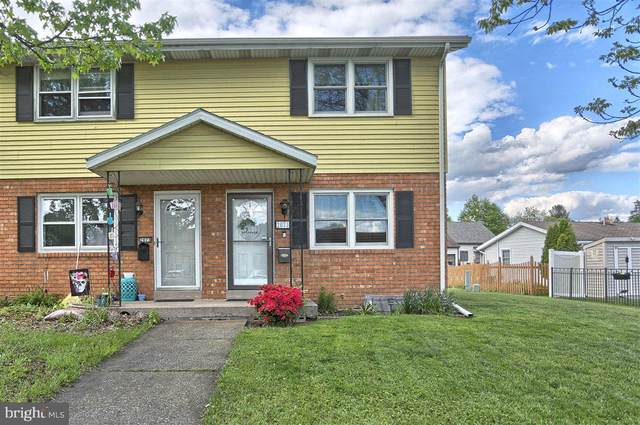 2071 Brentwood Drive, MIDDLETOWN, PA 17057 (#PADA133210) :: The Heather Neidlinger Team With Berkshire Hathaway HomeServices Homesale Realty