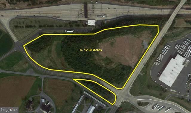 425 S Muddy Creek Road, DENVER, PA 17517 (#PALA182122) :: The John Kriza Team